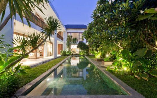 Leasehold Luxury Family Villa Petitenget - Bali Luxury Estate