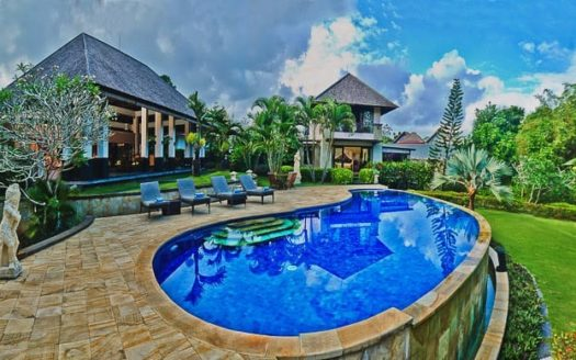 Magnificent Balinese Charm In Umalas - Freehold - Bali Luxury Estate