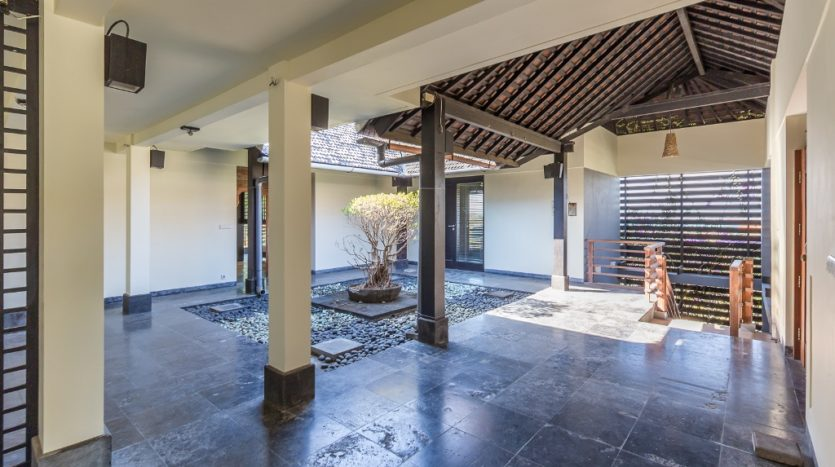 Three Bedroom Villa For Sale in Jimbaran with Ocean Views - Bali Luxury Estate (7)