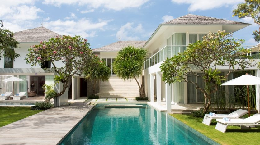 Villa for Sale in Canggu - 6 Bedroom Freehold Luxury - Bali Luxury Estate (18)