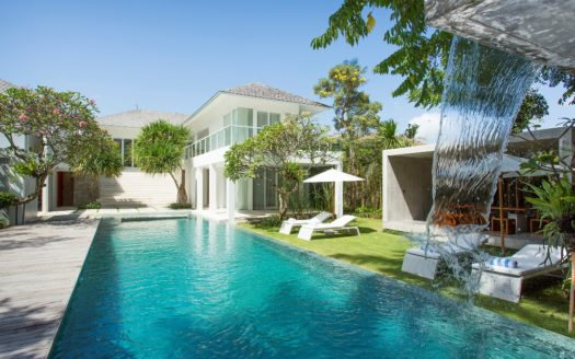 Villa for Sale in Canggu - 6 Bedroom Freehold Luxury - Bali Luxury Estate (4)